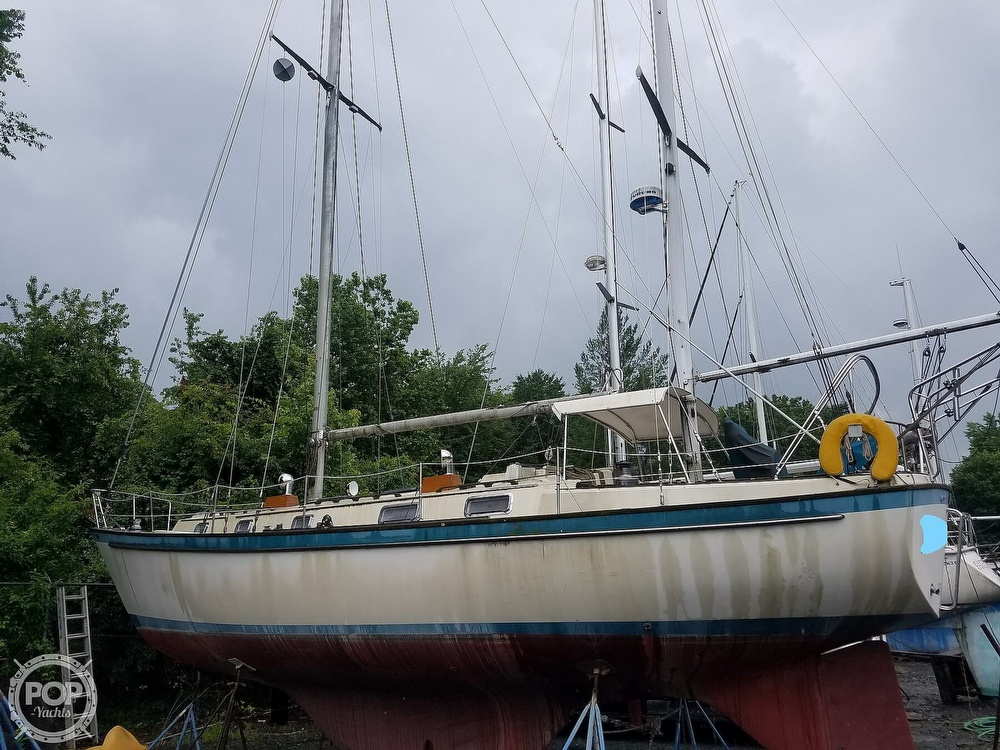 1980 Pearson boat for sale, model of the boat is 424 & Image # 6 of 40