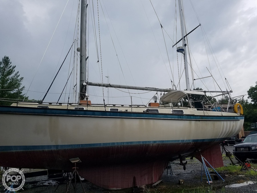 1980 Pearson boat for sale, model of the boat is 424 & Image # 8 of 40