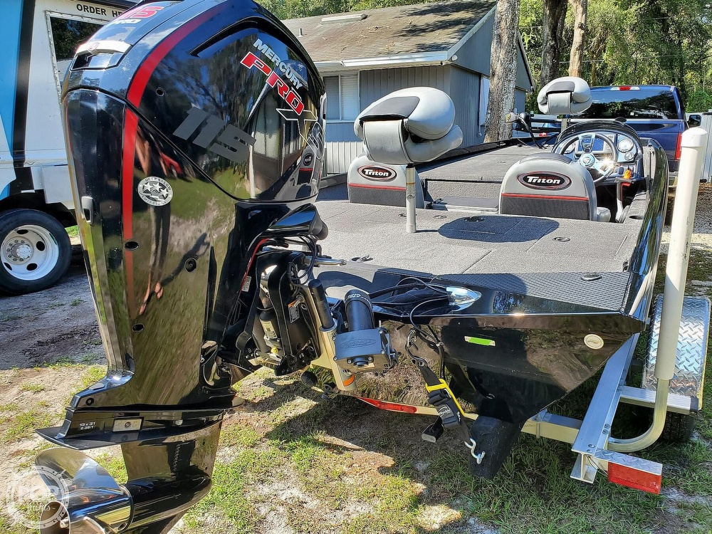 2017 Triton boat for sale, model of the boat is 18TX & Image # 2 of 40