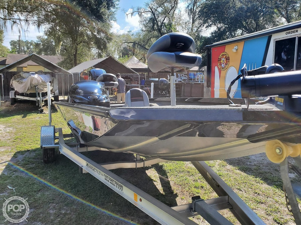2017 Triton boat for sale, model of the boat is 18TX & Image # 3 of 40