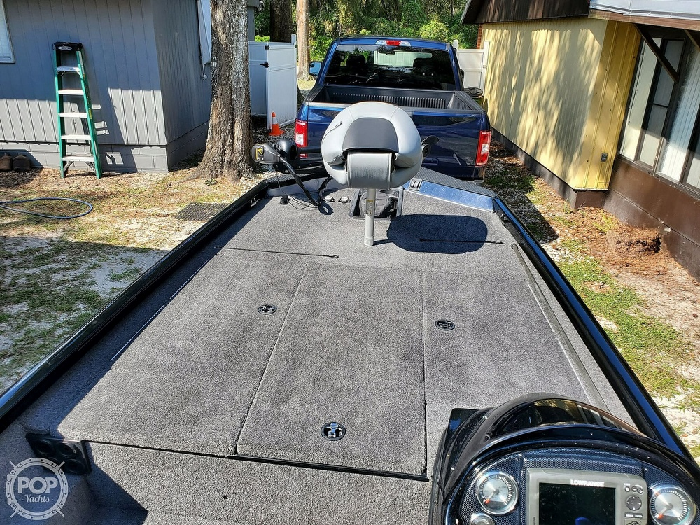 2017 Triton boat for sale, model of the boat is 18TX & Image # 32 of 40