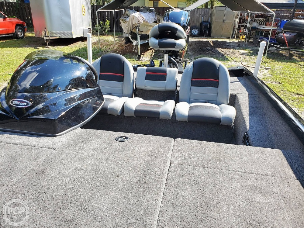 2017 Triton boat for sale, model of the boat is 18TX & Image # 4 of 40