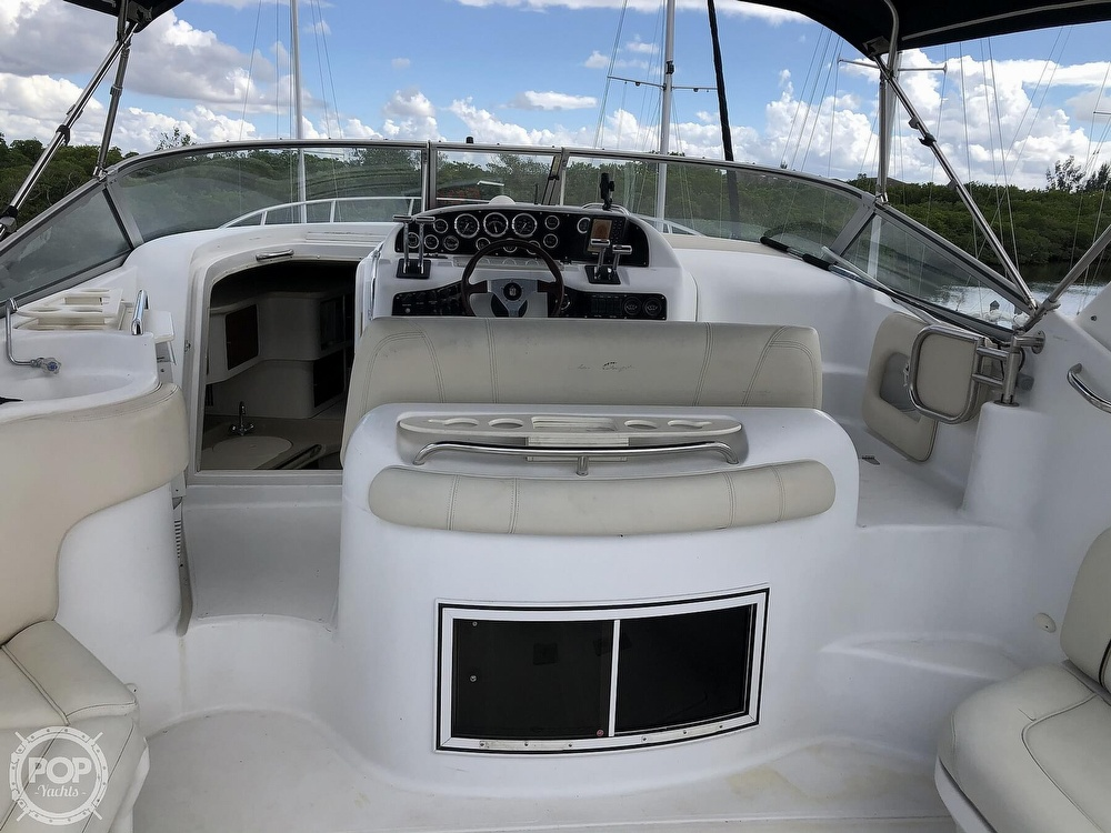 2000 Chris Craft boat for sale, model of the boat is 328 Express Cruiser & Image # 32 of 40