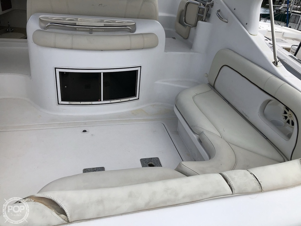2000 Chris Craft boat for sale, model of the boat is 328 Express Cruiser & Image # 7 of 40