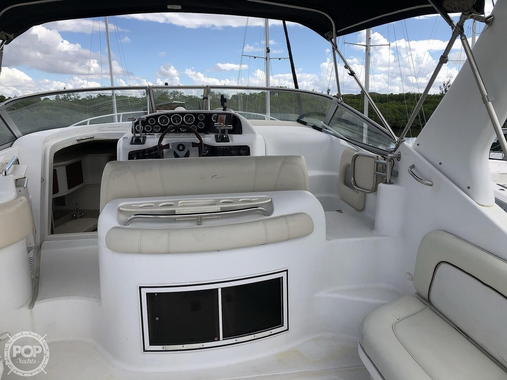 2000 Chris Craft boat for sale, model of the boat is 328 Express Cruiser & Image # 10 of 40