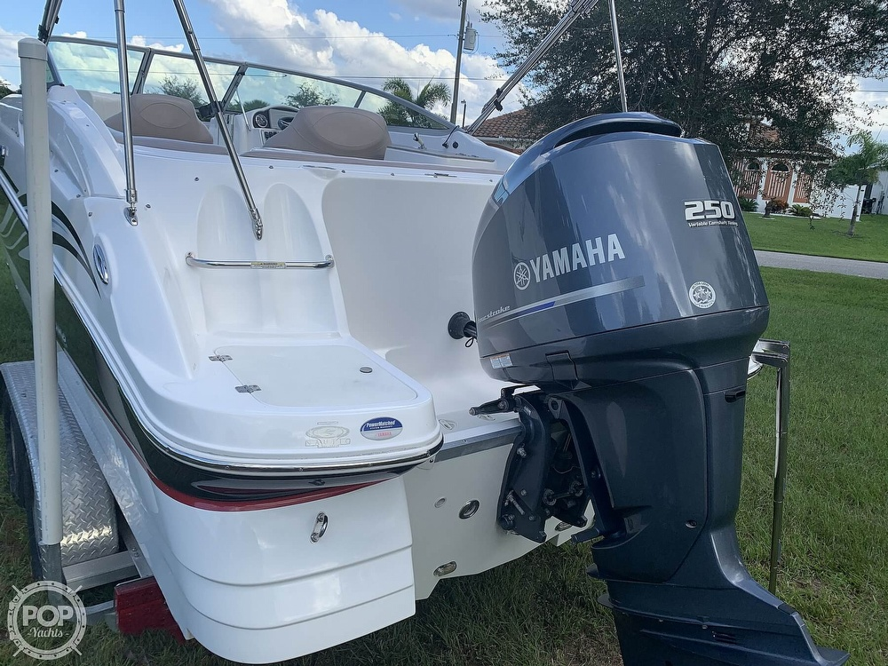 2014 Hurricane boat for sale, model of the boat is SunDeck 2400 & Image # 6 of 40
