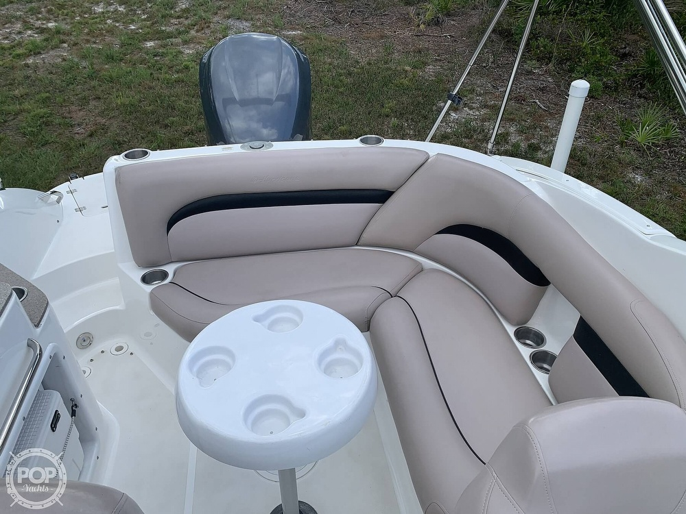 2014 Hurricane boat for sale, model of the boat is SunDeck 2400 & Image # 18 of 40