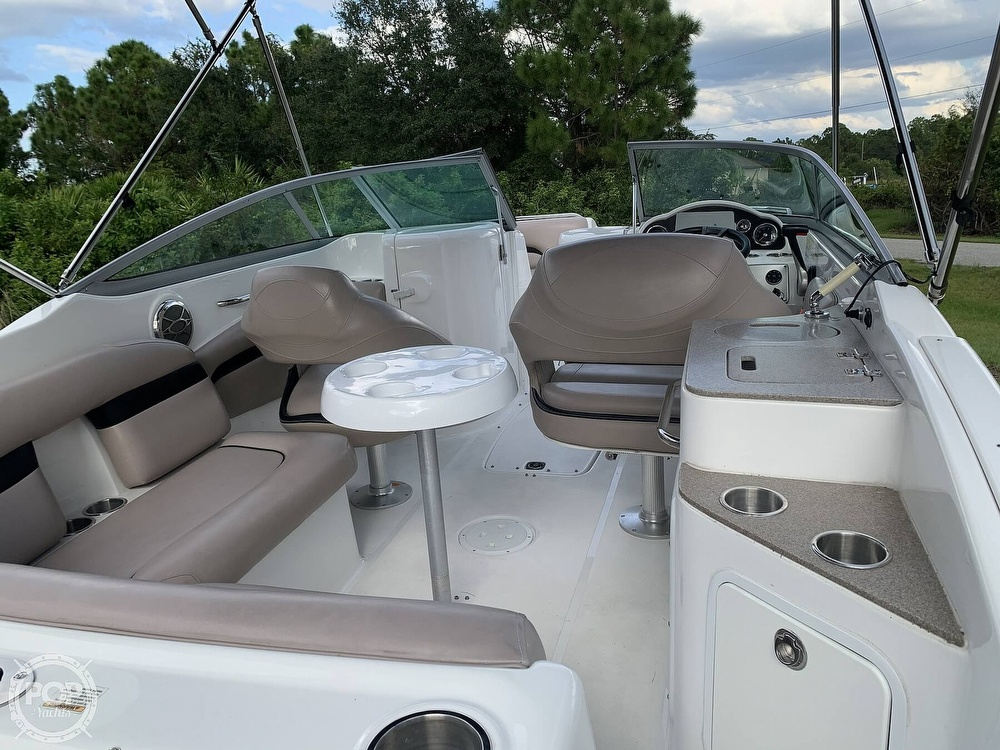 2014 Hurricane boat for sale, model of the boat is SunDeck 2400 & Image # 9 of 40