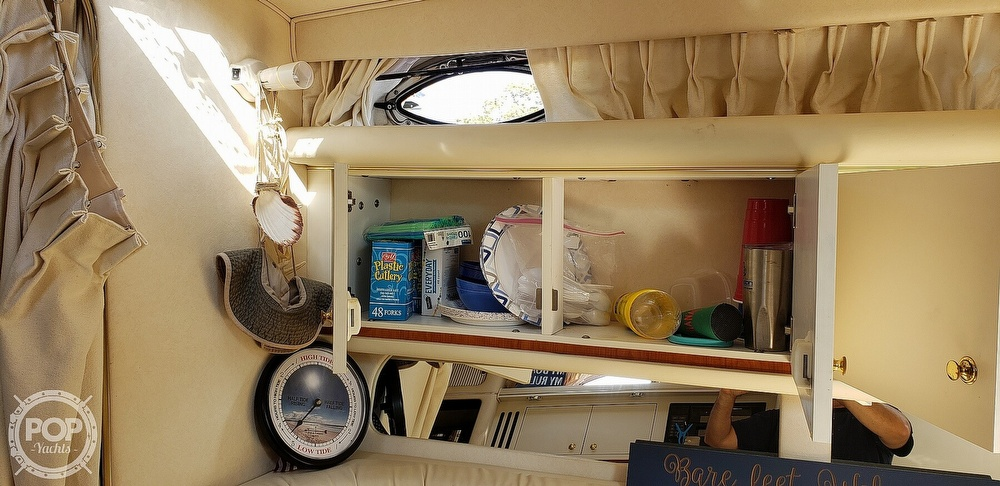 2001 Sea Ray boat for sale, model of the boat is 340 Sundancer & Image # 9 of 40