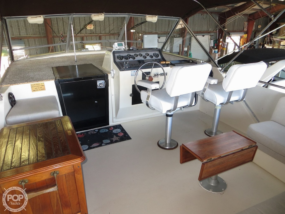 1987 Chris Craft boat for sale, model of the boat is Catalina 381 & Image # 2 of 40