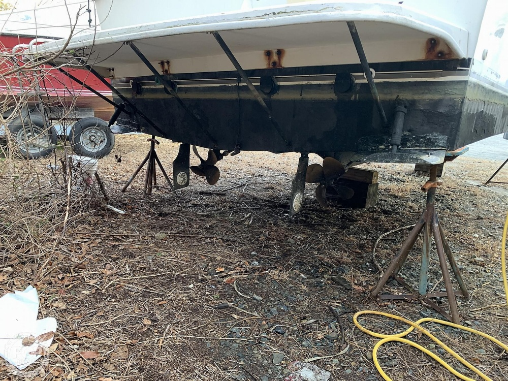 1986 Carver boat for sale, model of the boat is 3297 Mariner & Image # 30 of 40
