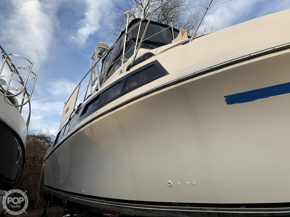 1986 Carver boat for sale, model of the boat is 3297 Mariner & Image # 31 of 40