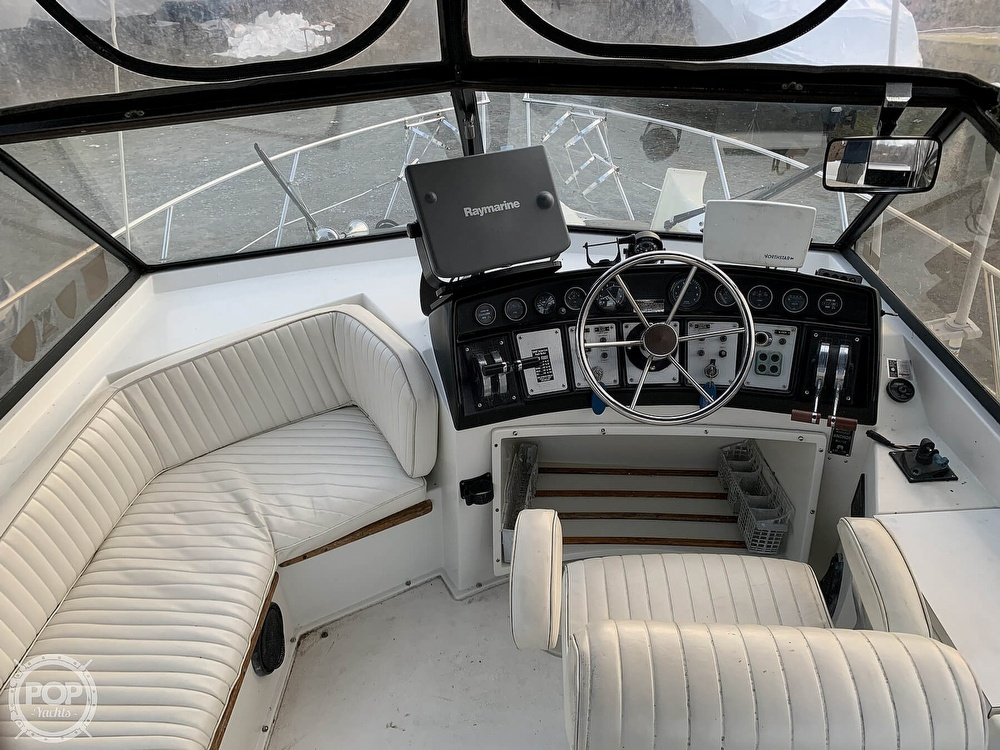 1986 Carver boat for sale, model of the boat is 3297 Mariner & Image # 3 of 40