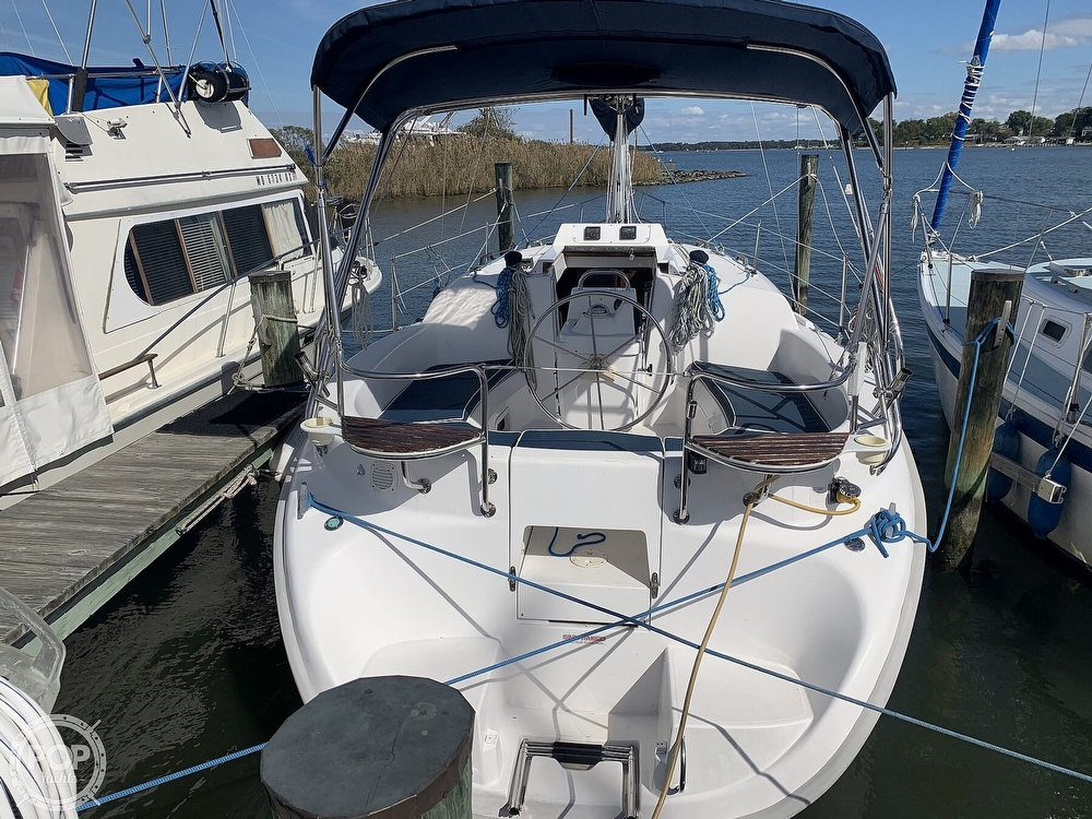 2000 Hunter boat for sale, model of the boat is 290 & Image # 7 of 40