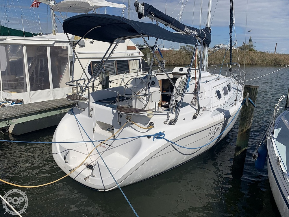 2000 Hunter boat for sale, model of the boat is 290 & Image # 8 of 40