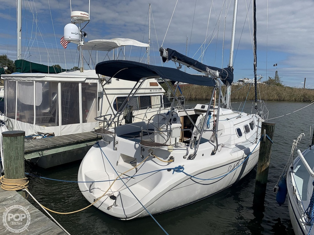 2000 Hunter boat for sale, model of the boat is 290 & Image # 11 of 40