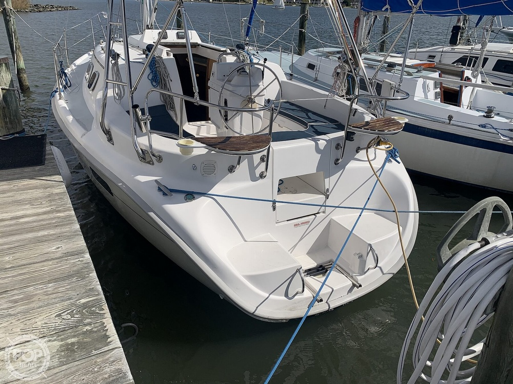 2000 Hunter boat for sale, model of the boat is 290 & Image # 12 of 40