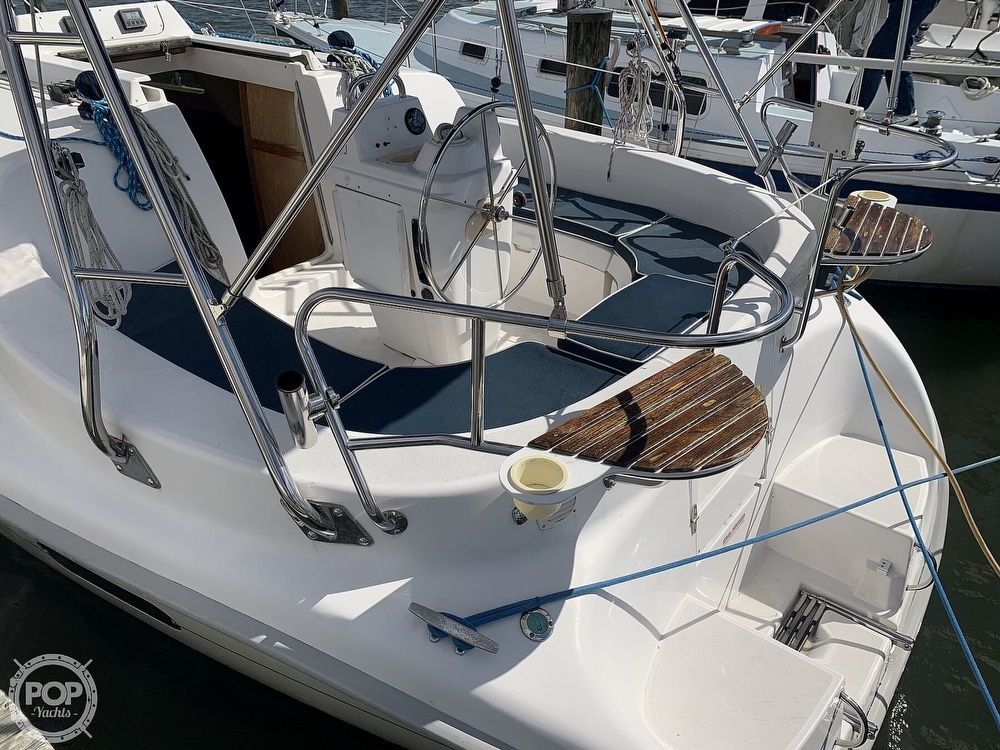 2000 Hunter boat for sale, model of the boat is 290 & Image # 20 of 40