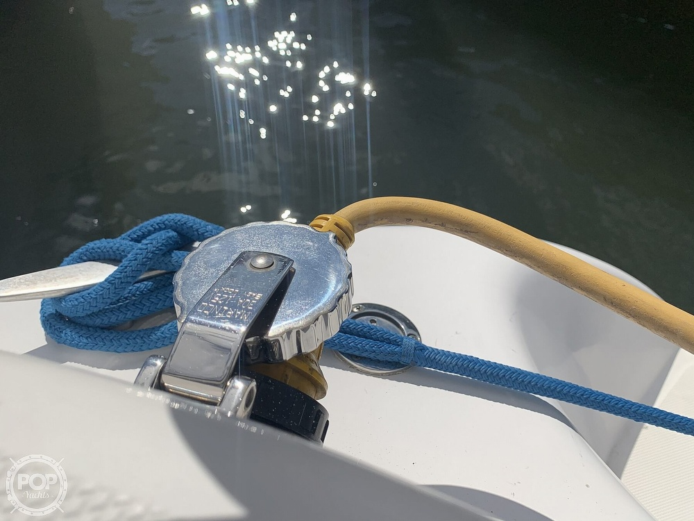 2000 Hunter boat for sale, model of the boat is 290 & Image # 22 of 40