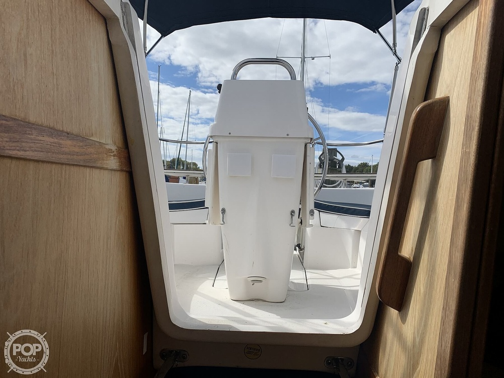 2000 Hunter boat for sale, model of the boat is 290 & Image # 31 of 40