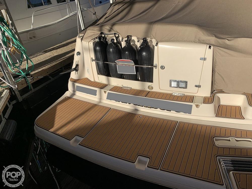 2004 Rinker boat for sale, model of the boat is 342 Fiesta Vee & Image # 7 of 41