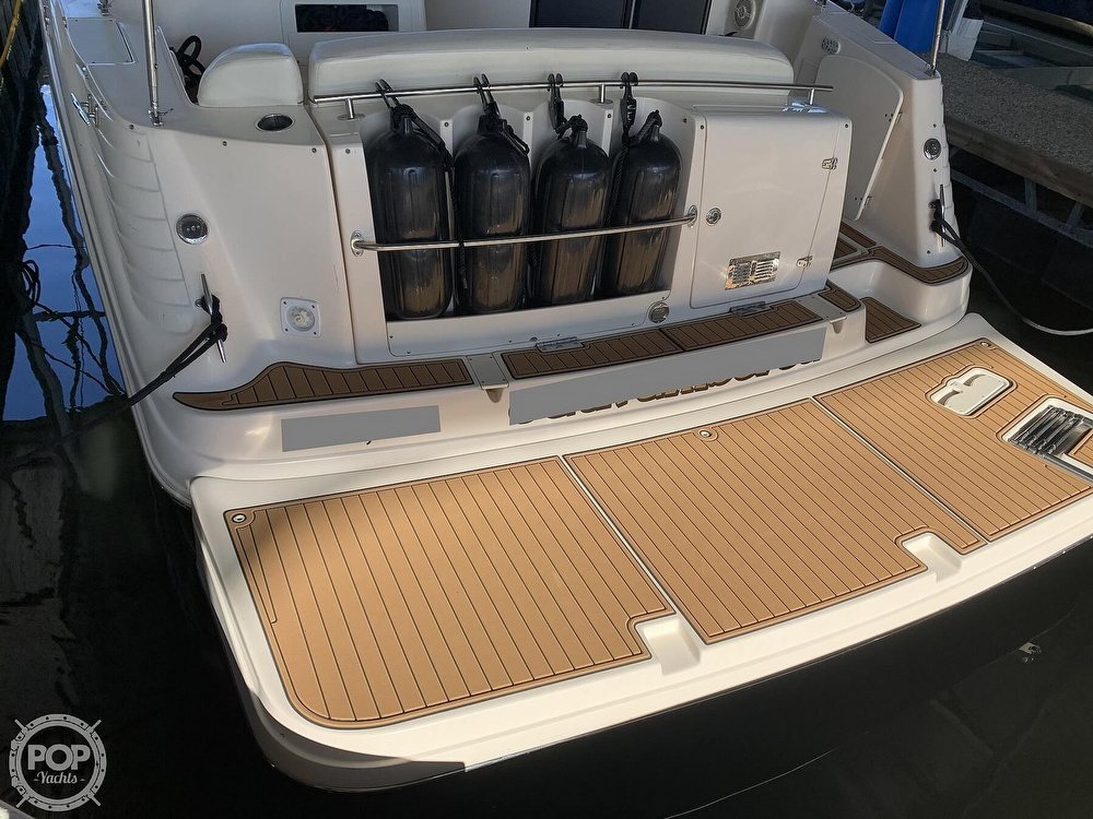 2004 Rinker boat for sale, model of the boat is 342 Fiesta Vee & Image # 8 of 41