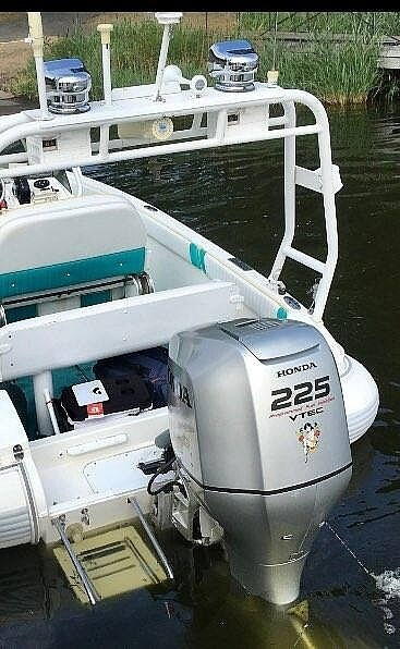 2005 Zodiac boat for sale, model of the boat is Eclipse 17 & Image # 3 of 16