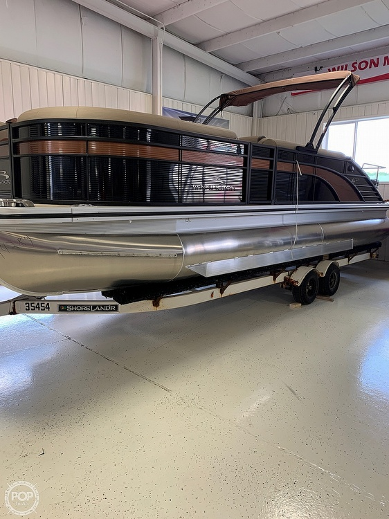 2019 Bennington boat for sale, model of the boat is G23 & Image # 3 of 4