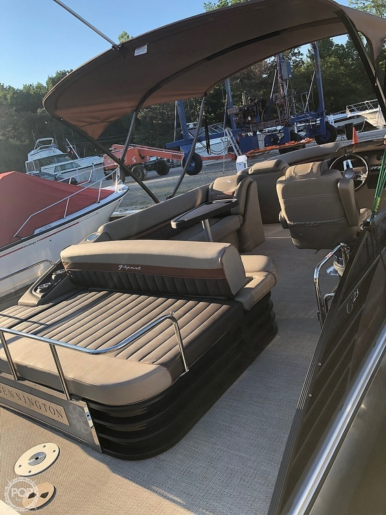 2019 Bennington boat for sale, model of the boat is G23 & Image # 4 of 4