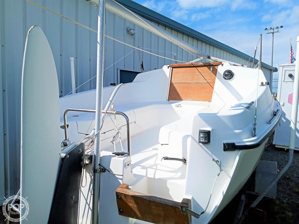1994 Hunter boat for sale, model of the boat is 19 & Image # 7 of 41