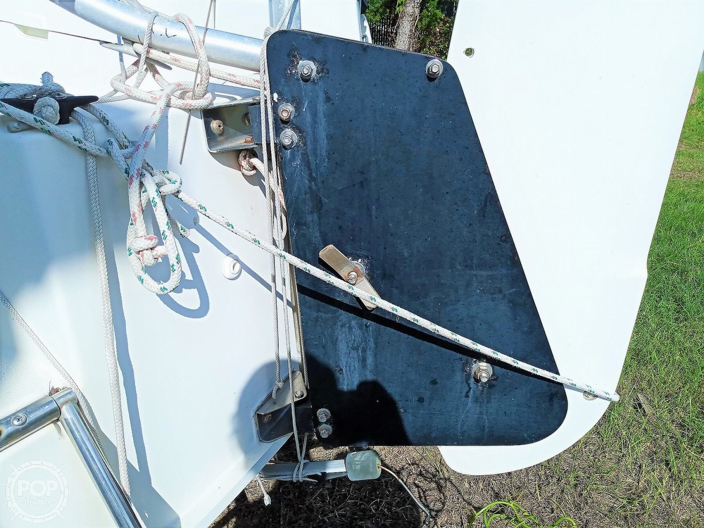 1994 Hunter boat for sale, model of the boat is 19 & Image # 21 of 41