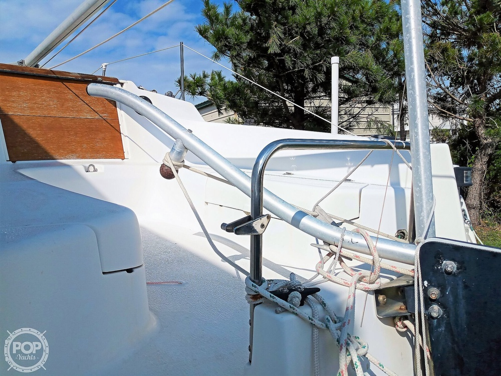 1994 Hunter boat for sale, model of the boat is 19 & Image # 22 of 41