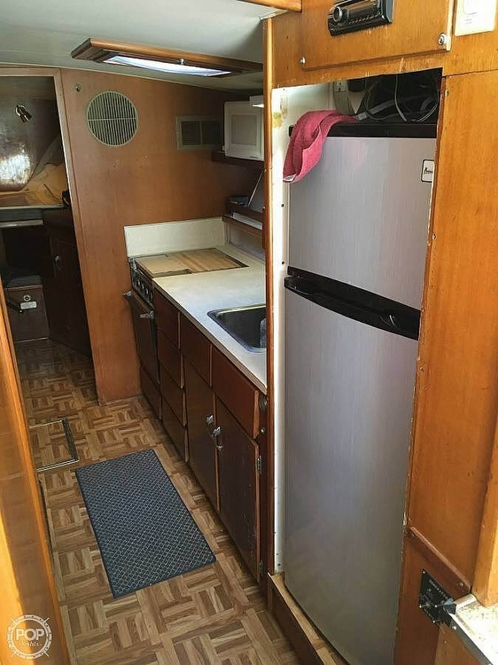 1967 Hatteras boat for sale, model of the boat is 41' Convertible & Image # 14 of 40