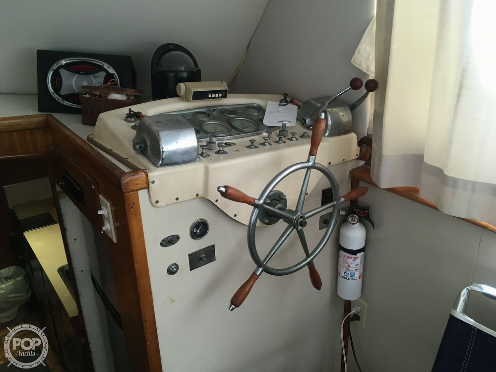 1967 Hatteras boat for sale, model of the boat is 41' Convertible & Image # 11 of 40