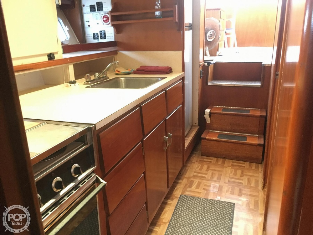 1967 Hatteras boat for sale, model of the boat is 41' Convertible & Image # 13 of 40
