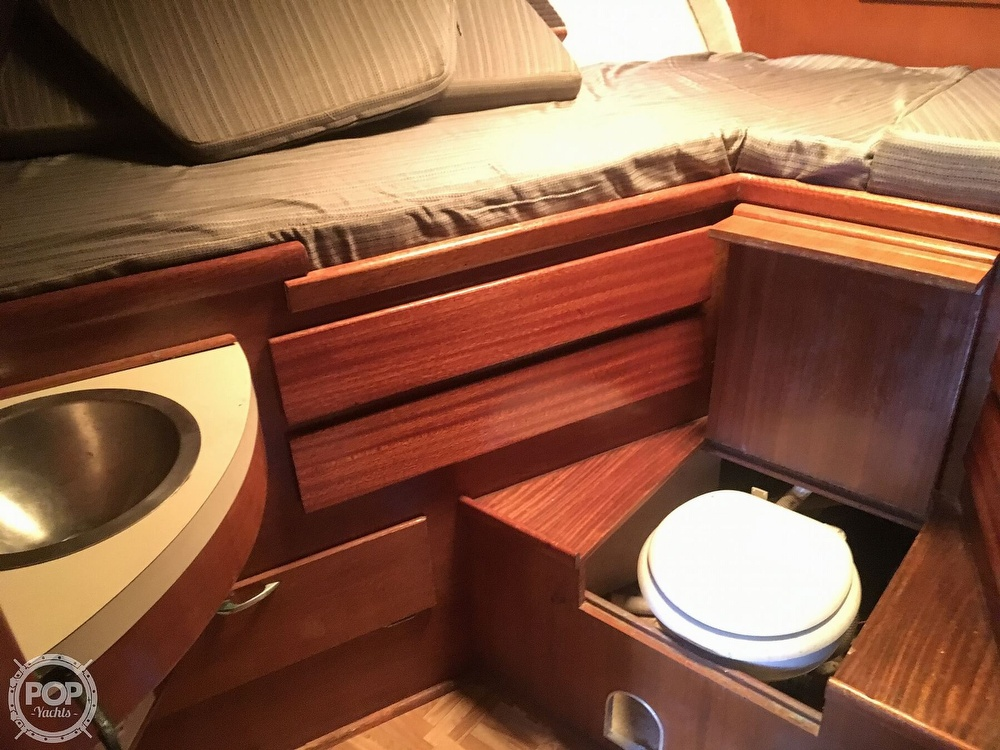 1967 Hatteras boat for sale, model of the boat is 41' Convertible & Image # 17 of 40