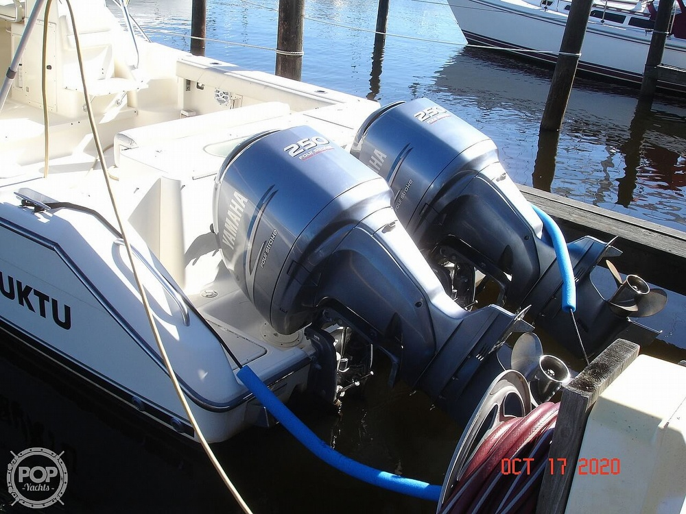 2006 Pursuit boat for sale, model of the boat is 3070 Offshore & Image # 10 of 40