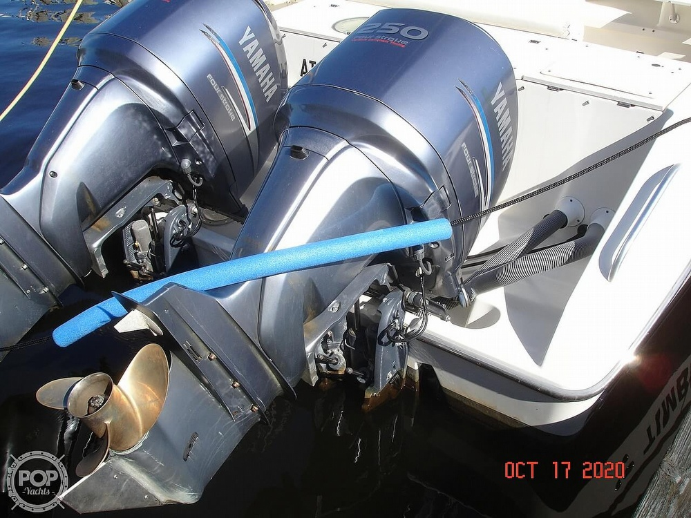 2006 Pursuit boat for sale, model of the boat is 3070 Offshore & Image # 14 of 40