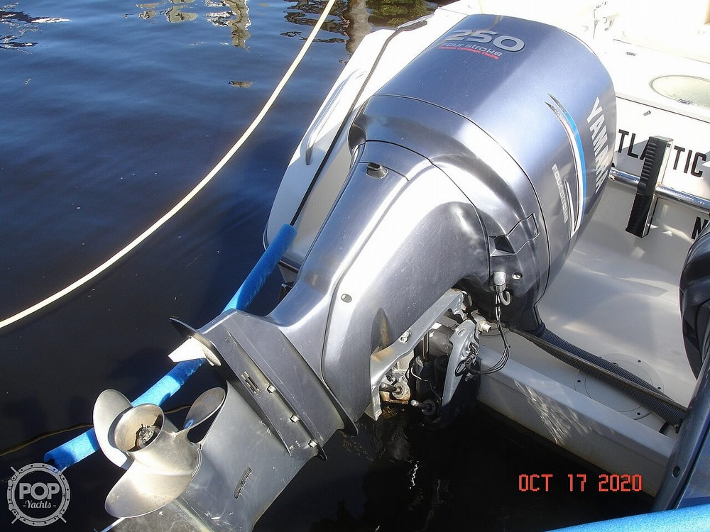 2006 Pursuit boat for sale, model of the boat is 3070 Offshore & Image # 15 of 40