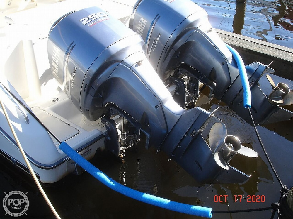 2006 Pursuit boat for sale, model of the boat is 3070 Offshore & Image # 17 of 40
