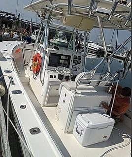2004 Regulator Marine boat for sale, model of the boat is 32 & Image # 3 of 40