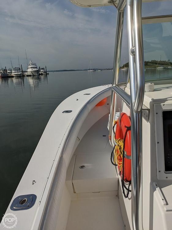 2004 Regulator Marine boat for sale, model of the boat is 32 & Image # 4 of 40