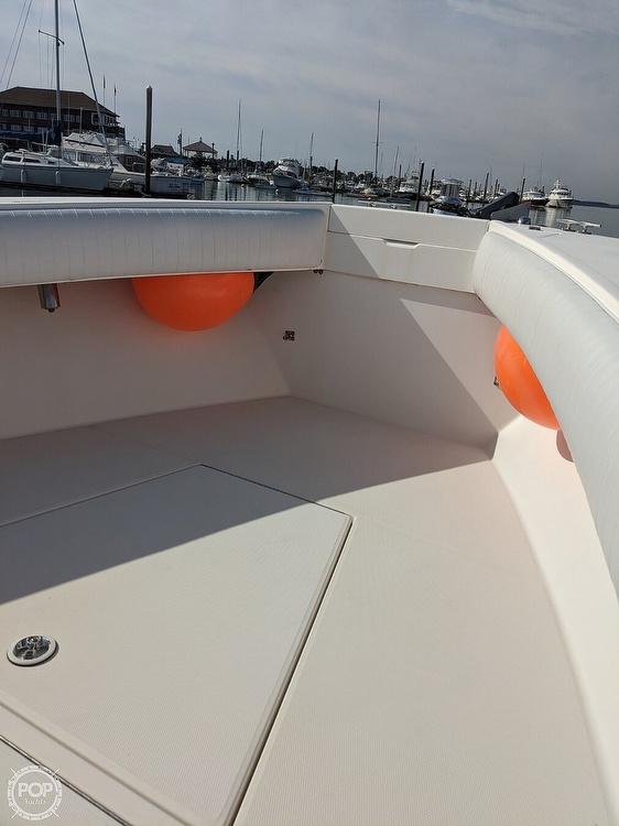 2004 Regulator Marine boat for sale, model of the boat is 32 & Image # 5 of 40