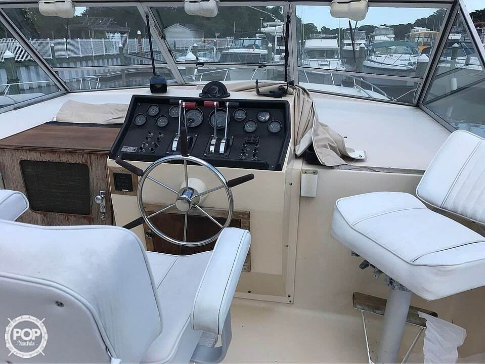1981 Chris Craft boat for sale, model of the boat is 381 Catalina & Image # 8 of 40