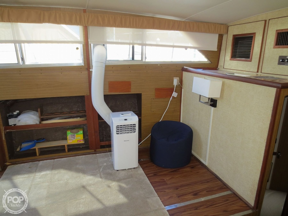1981 Chris Craft boat for sale, model of the boat is 381 Catalina & Image # 23 of 40