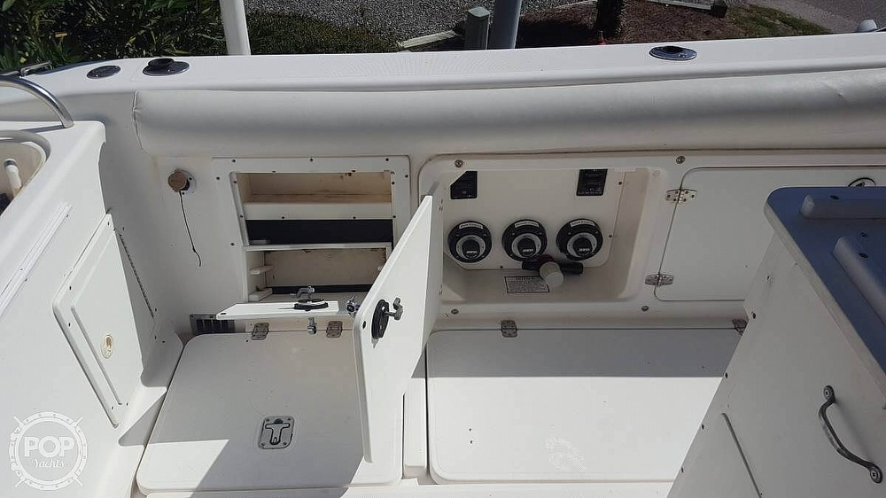 2002 Century boat for sale, model of the boat is 3200 & Image # 14 of 40