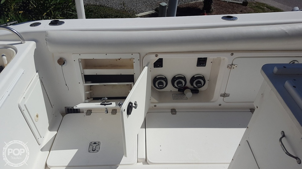 2002 Century boat for sale, model of the boat is 3200 & Image # 21 of 40