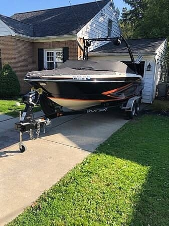 2016 Larson boat for sale, model of the boat is LSR 2300 & Image # 3 of 41