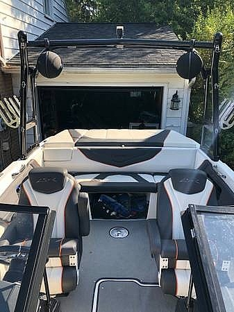 2016 Larson boat for sale, model of the boat is LSR 2300 & Image # 10 of 41