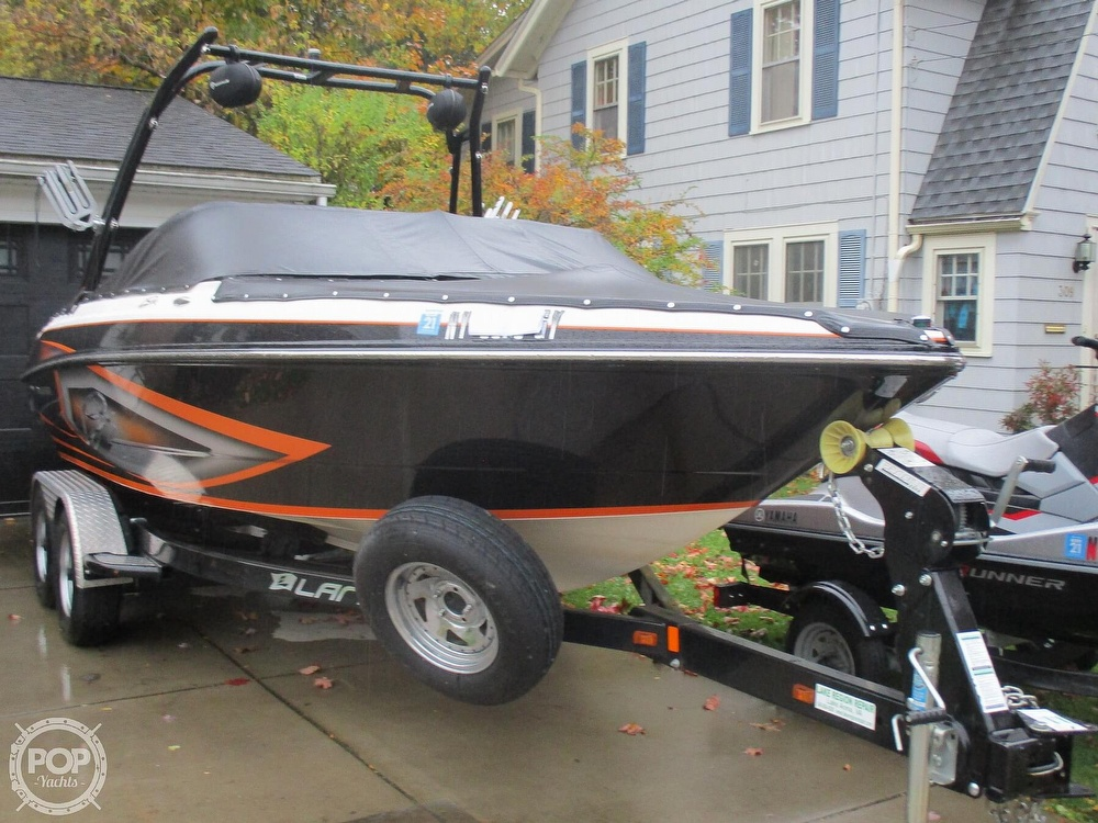 2016 Larson boat for sale, model of the boat is LSR 2300 & Image # 33 of 41